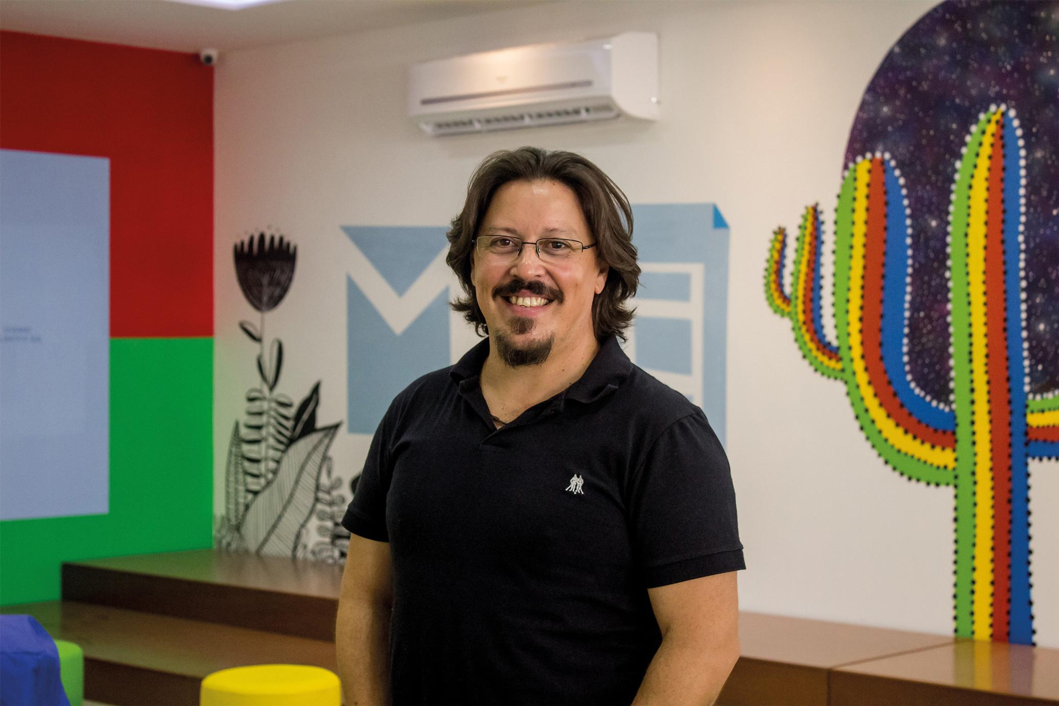 Entrevista Professor Motta: Aprender de forma combinada é inovar